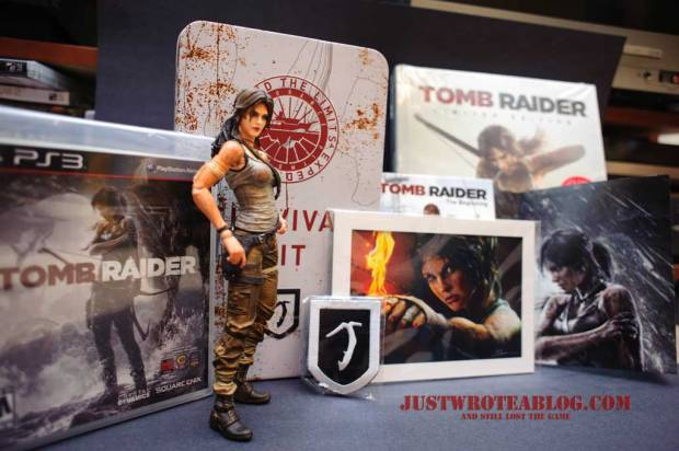 Tomb Raider collectors edition contents unpacked with guide.