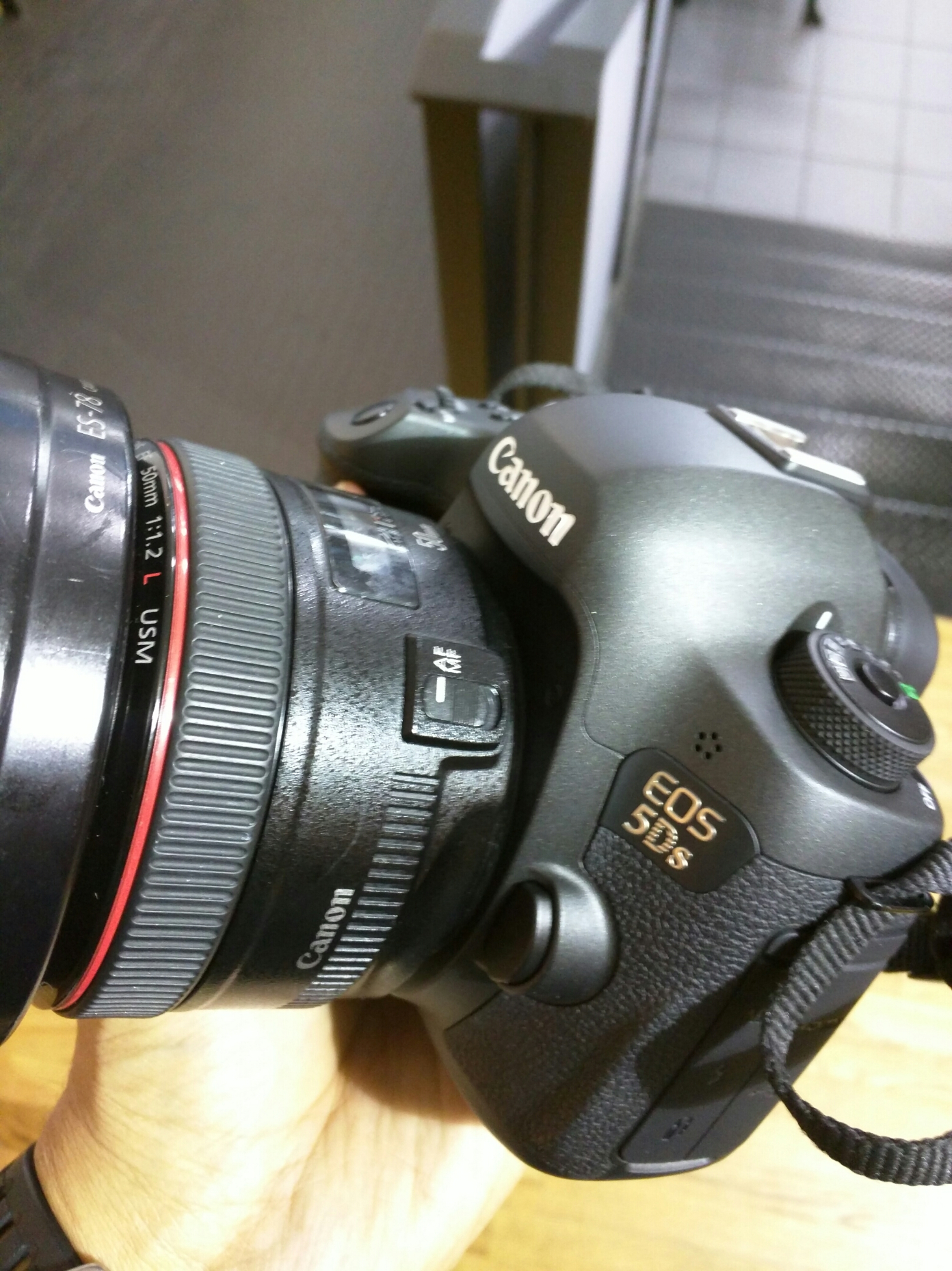 We get to play with Canon's new 5DS with the vaunted 50mm F/1.2 L mounted.