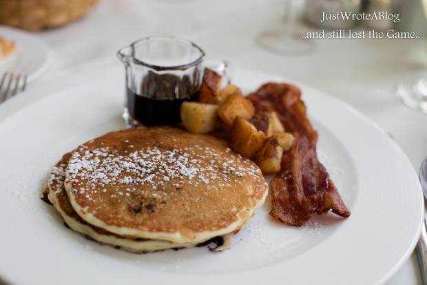 Breakfast, or wast it brunch? Doesn't matter, it had bacon in it.  1/60  F/4.0 ISO 100